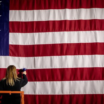 Экономика США получит почти 2 трлн долларов