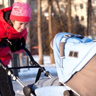 Полиция ищет родителей оставленного в Петербурге ребёнка