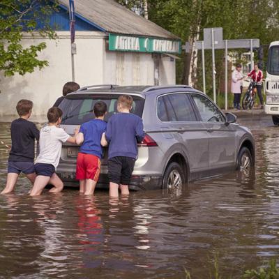 Вода подтопила почти двести дачных участков в Подмосковье