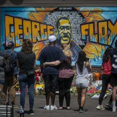 Более 9-ти миллионов долларов собрали семье погибшего Джорджа Флойда