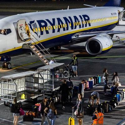 На борту самолетаавиакомпании Ryanair Берлин-Афины произошёл пожар