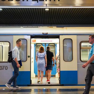 В московском метро появились голографические экраны