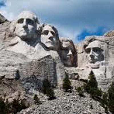 Трамп выражал пожелание, чтобы его лицо высекли рядом с барельефами четырех американских президентов
