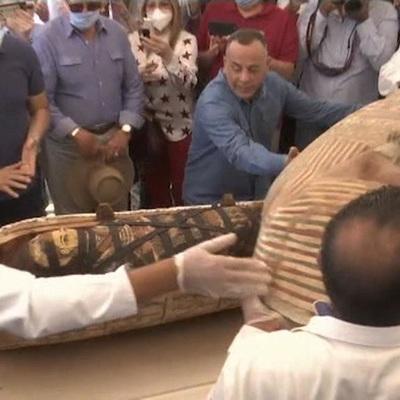 """""""Сигналы точного времени"""". 59 мумий Саккары: что значит новое археологическое открытие для науки"""