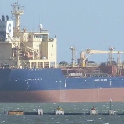 Пираты атаковали в Гвинейском заливе танкер PTI Nile