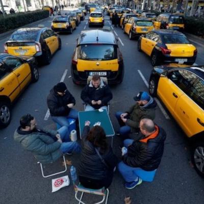 Таксисты Барселоны устроили забастовку