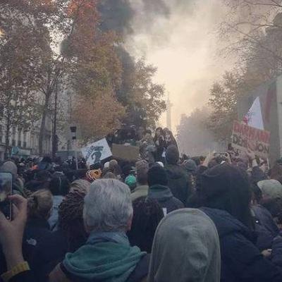 В Париже на демонстрации начались беспорядки