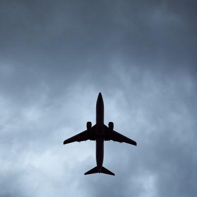 Решений об изменении правил провоза багажа в самолетах нет