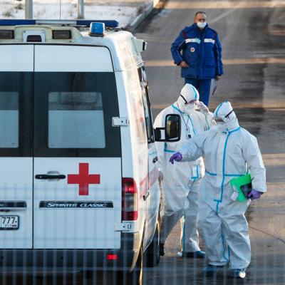 Путин подписал указ о награждении медиков за борьбу с коронавирусом