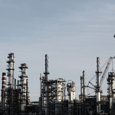 На нефтяном месторождении в ЯНАО прорвало трубопровод