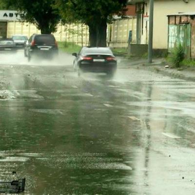 Мощный ливень обрушился и на Ростовскую область