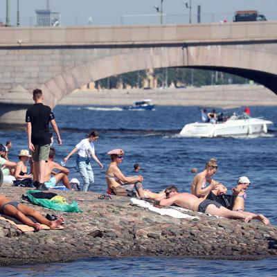 Петербург второй день подряд бьет температурные рекорды