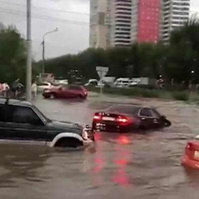 В Красноярске ликвидируют последствия ливня