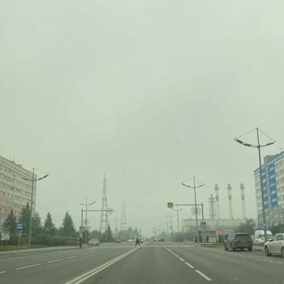 Дым от лесных пожаров в Якутии накрыл Новый Уренгой