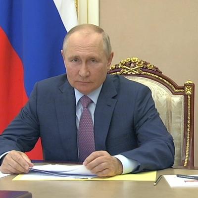 Путин провел совещание с членами кабмина