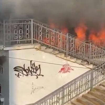 Крупный пожар на рынке во Владивостоке локализован