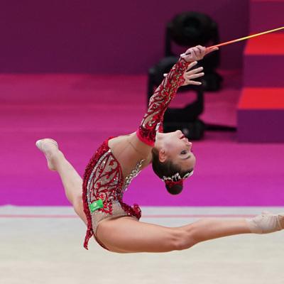 Дина Аверина стала чемпионкой мира по художественной гимнастике в упражнениях с булавами