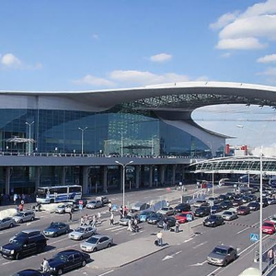 Аэропорты Москвы работают штатно, несмотря на непогоду