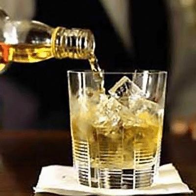 Потребление алкоголя в России за 8 лет сократилось почти в два раза