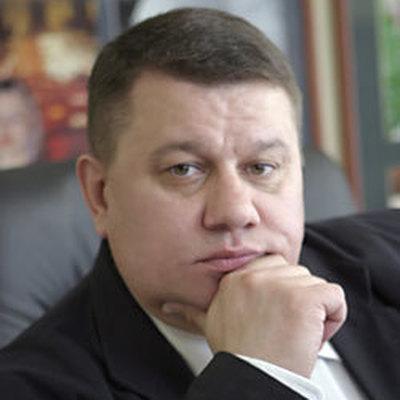 Максим  Макарычев