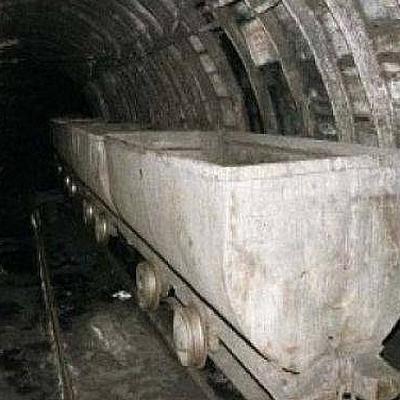 48 человек были эвакуированы из шахты