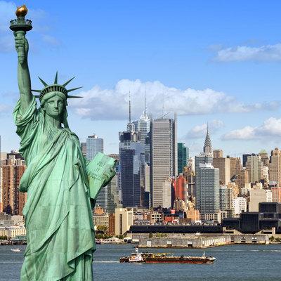 В Нью-Йорке складывается критическая ситуация из-за резкого всплеска короновируса