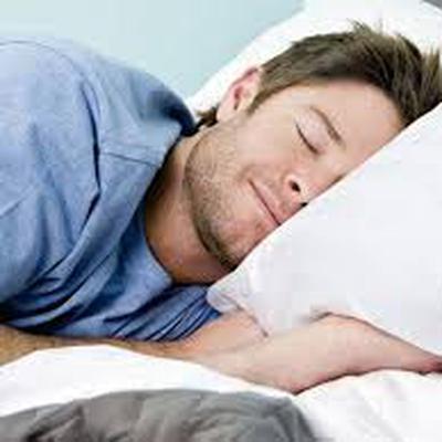 Учёные: риск преждевременной смерти выше у тех, кто спит меньше 5 часов в сутки в течение недели