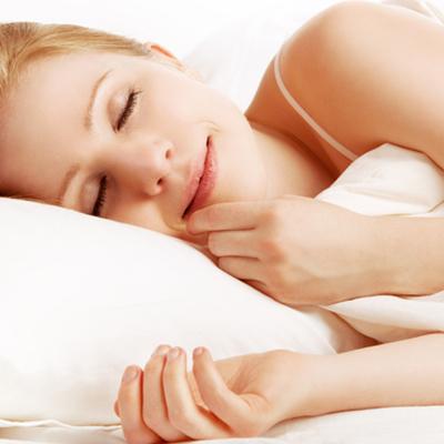 Врачи назвали опасные позы для сна