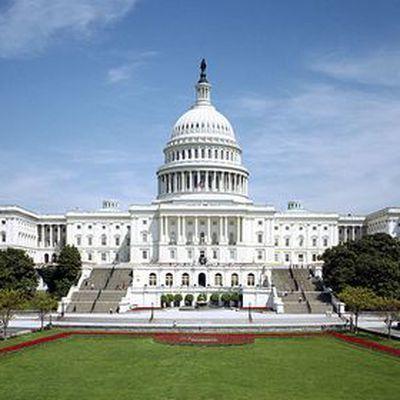 Американские конгрессмены пройдут обязательные тренинги против сексуальных домогательств