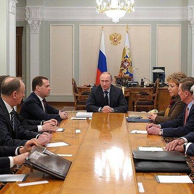 Путин провёл оперативное совещание с членами Совбеза РФ