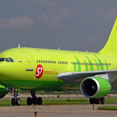 Самолет авиакомпании S7 не смог приземлиться в Томске из-за сильного ветра