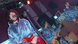 Британская группа из Уэльса Super Furry Animals. Gruff Rhys, Huw Bunford and Guto Pryce of the Super Furry Animals at Bridgwater Palace in September 2005.