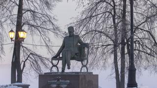 Памятник П.И.Чайковскому по проекту скульптора Олега Комова