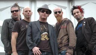 Stone Sour,  американская группа, играющая в жанре альтернативный метал