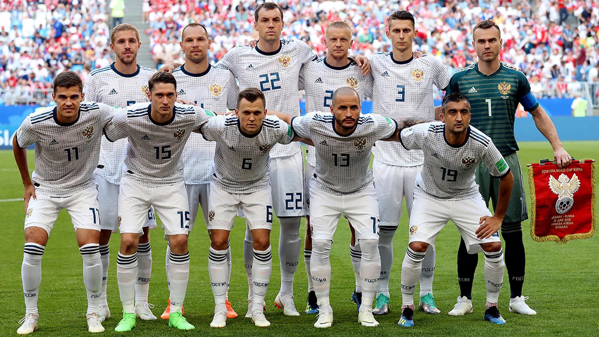 Сборная России сыграет с испанцами в белой форме