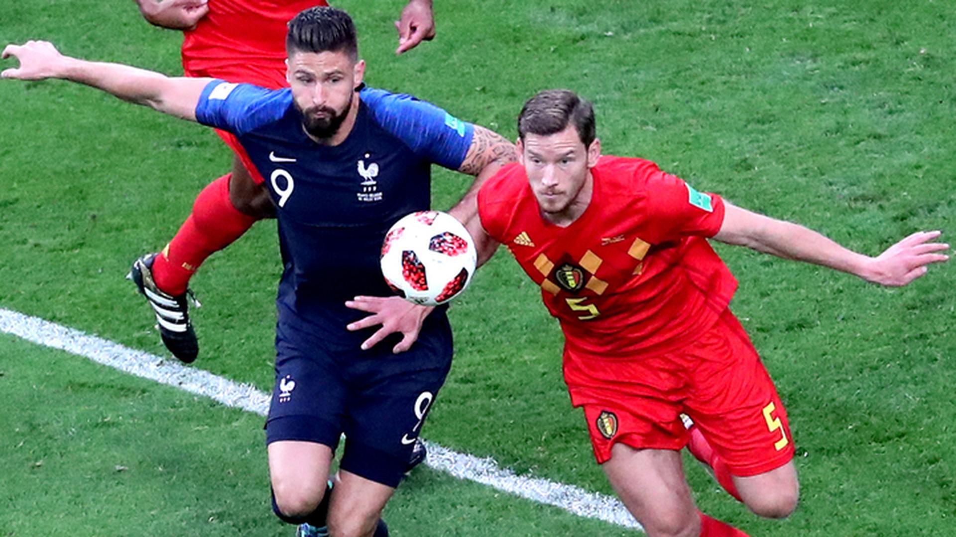 В матче сборных Франции и Бельгии  0:0 после первого тайма