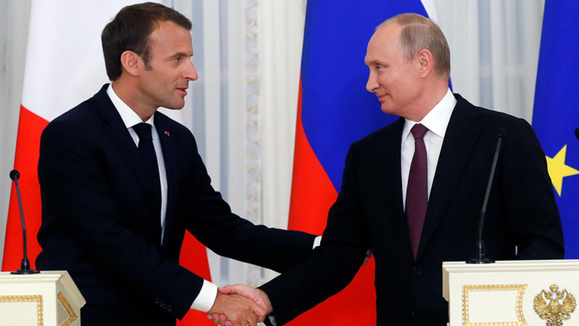 Президент Франции Макрон ждет встречи с Путиным на футболе