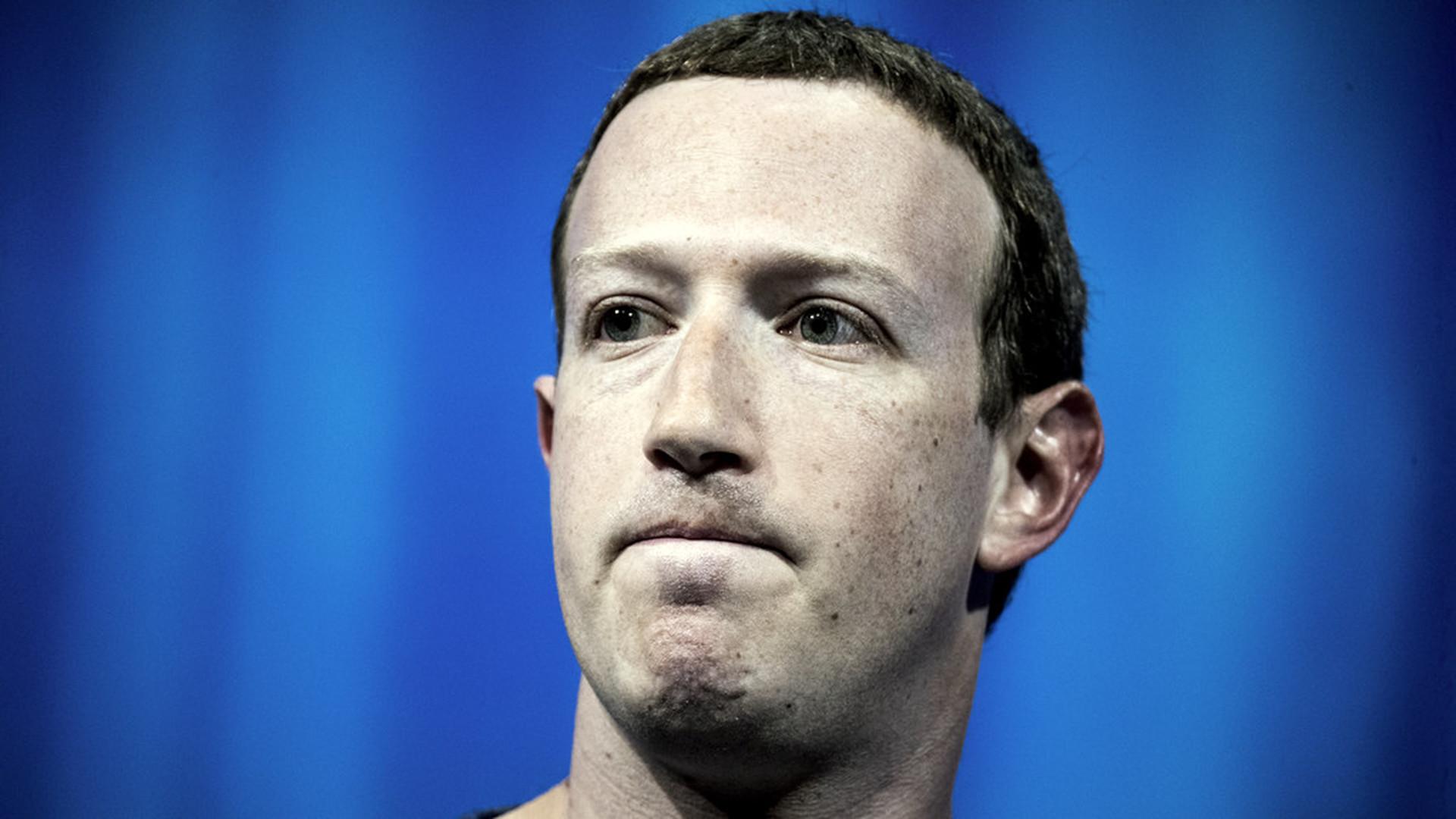 В сети нашли телефоны сотен миллионов пользователей Facebook