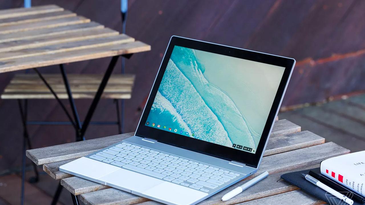 Всем известная компания Google продемонстрировала собственный Pixelbook: один из самых тонких и мощных хромбуков