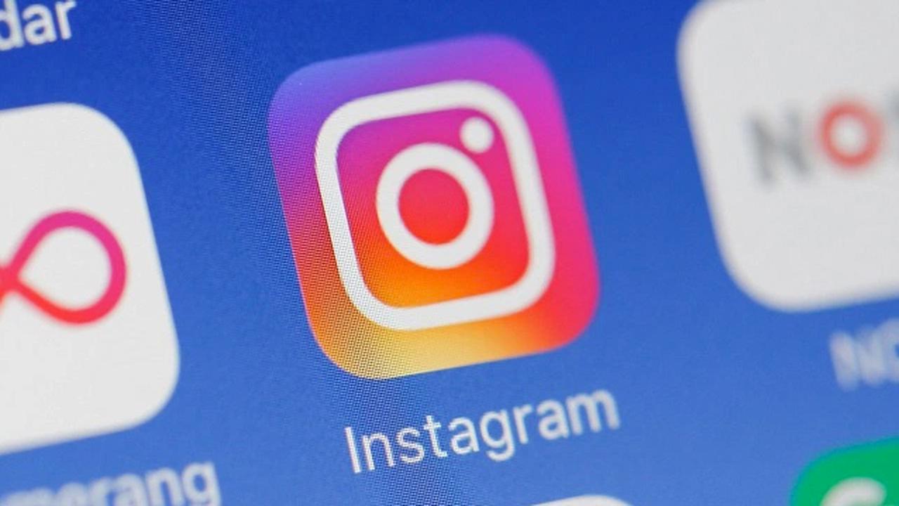 Социальная сеть Instagram даст возможность публиковать посты потаймеру