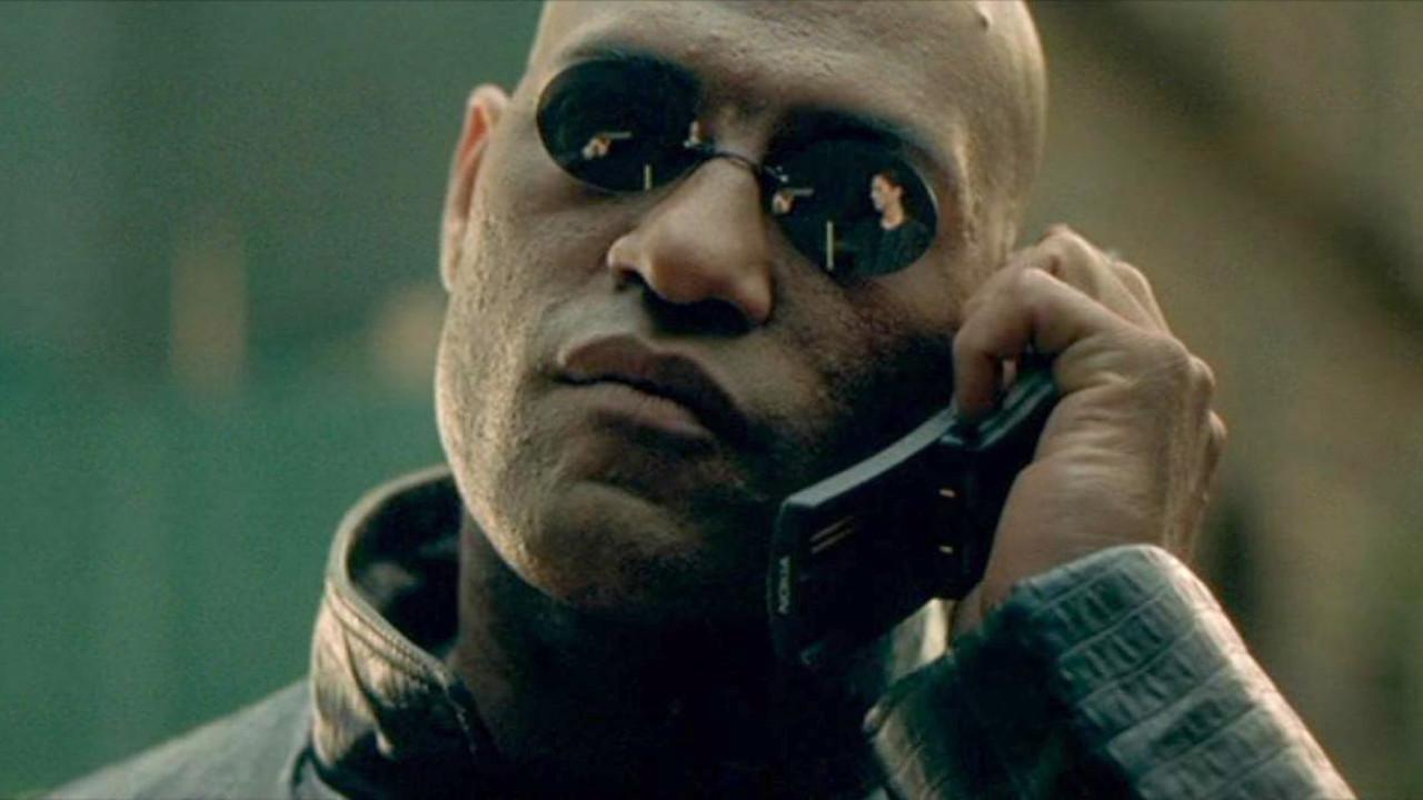 HMD возвратила кжизни телефон-банан нокиа 8110 из«Матрицы»