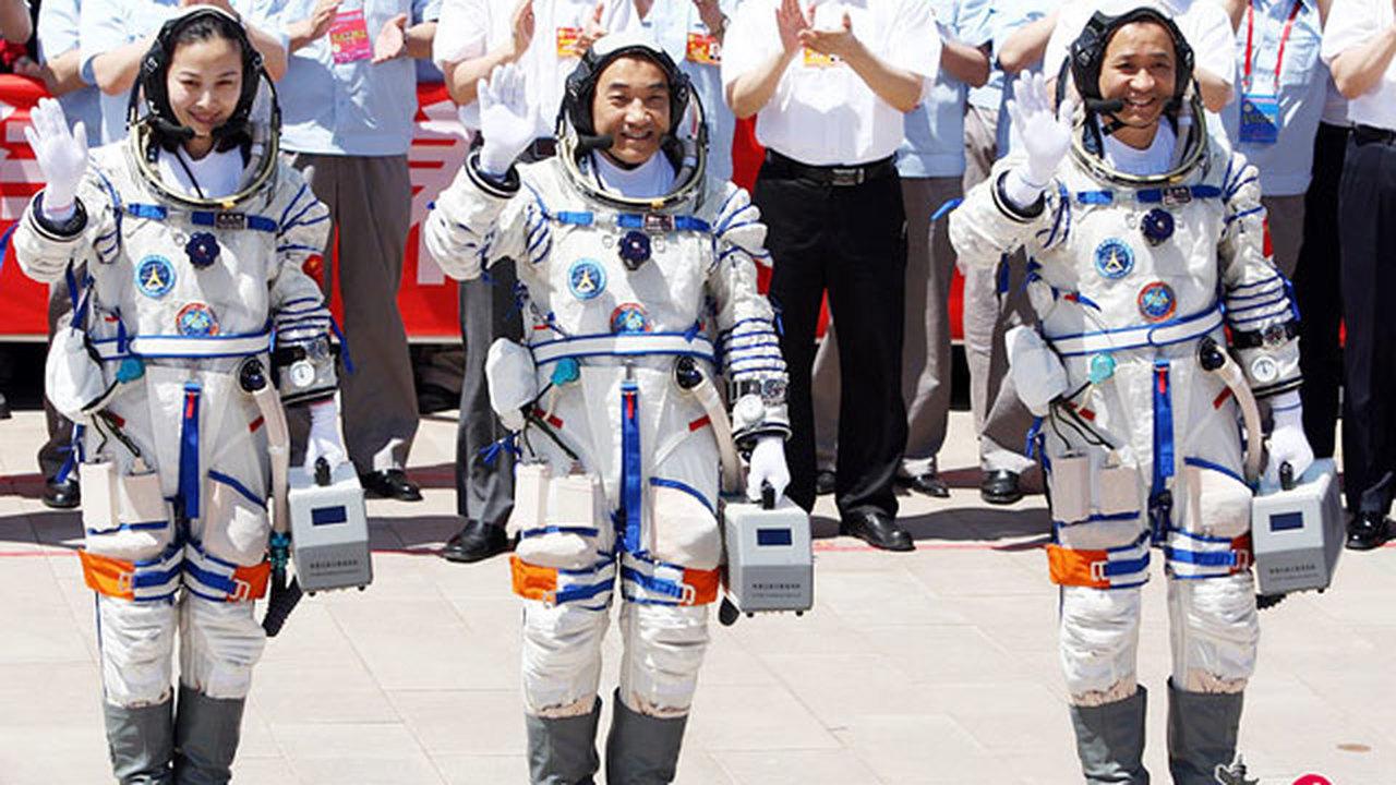 """Экипаж """"Шэньчжоу-10"""": Китай — наш дом, космос — наша мечта"""