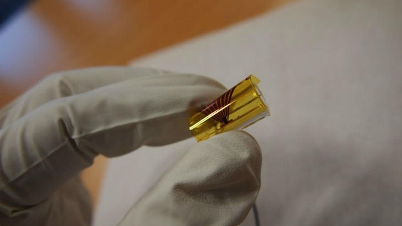 Инженеры построили первую микросхему с гибкими оптическими связями