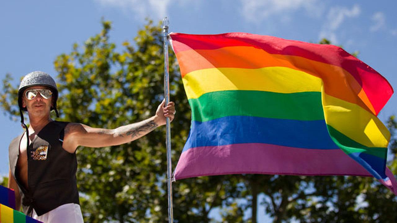 Обширное исследование братьев-геев выявило причину гомосексуализма