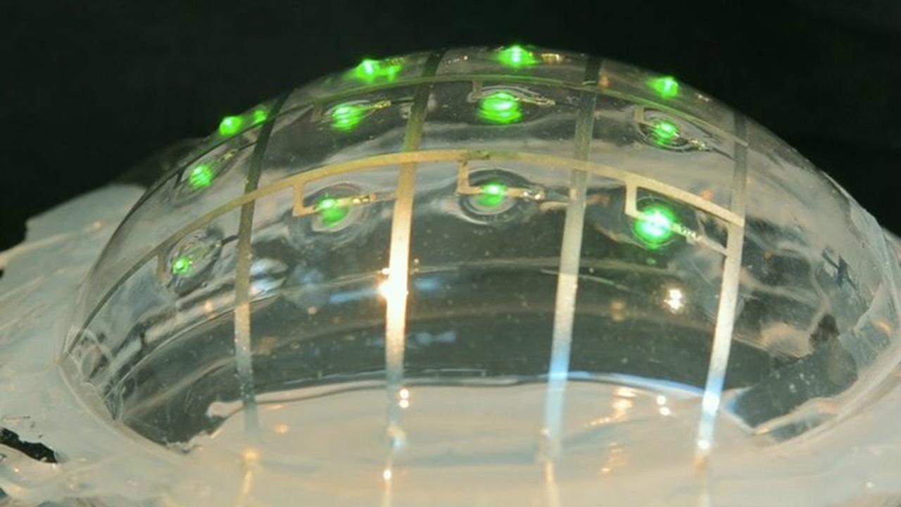 Электронную схему на основе жидкого металла можно растянуть в четыре раза