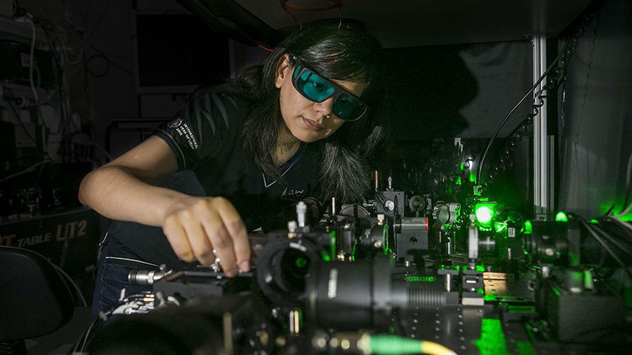"""Компактные очки ночного видения не за горами: созданы нанокристаллы, """"превращающие"""" тьму в свет"""