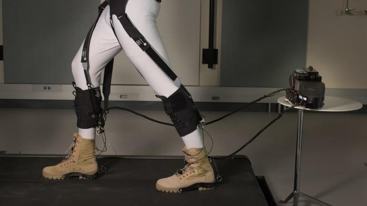 Новый мягкий экзоскелет для ног снизит расход энергии на рекордные 23%
