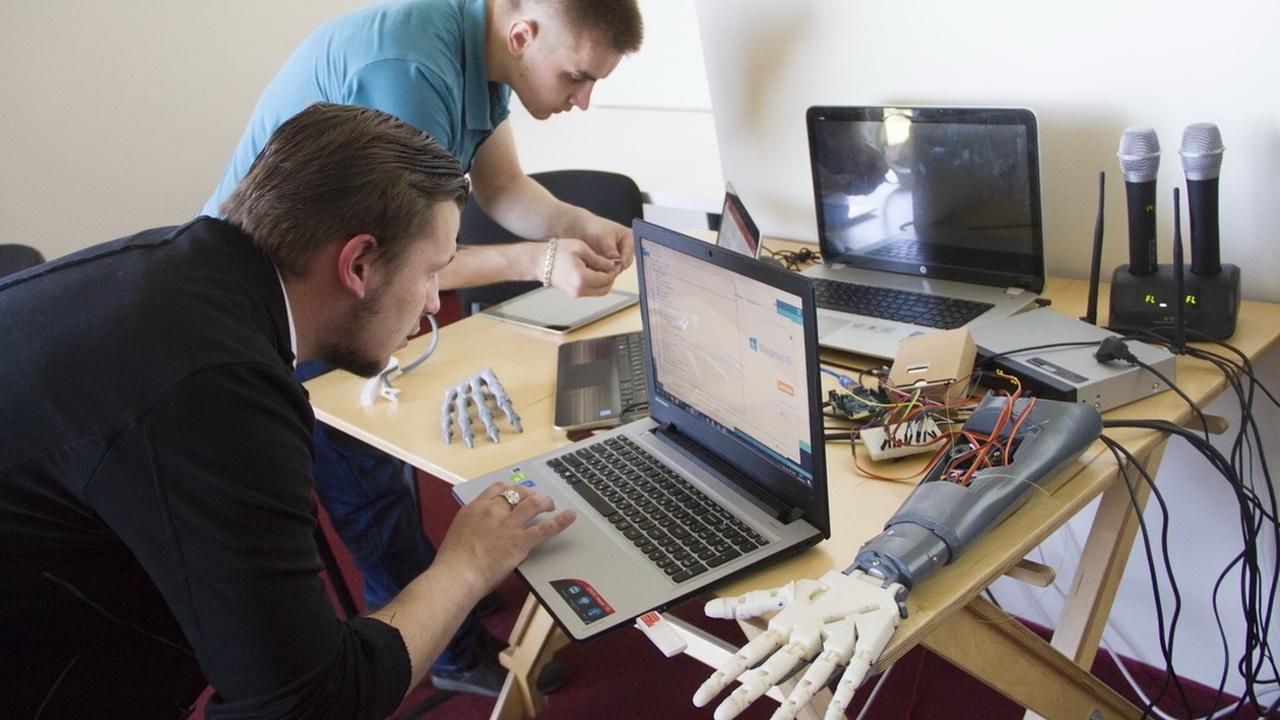 Российские студенты создали прототипы бионических протезов и мышечный электростимулятор
