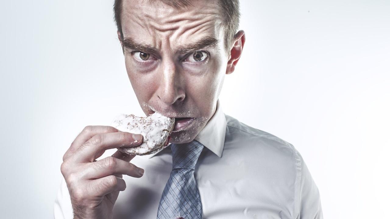 Чтобы правильно питаться, нужно больше спать?