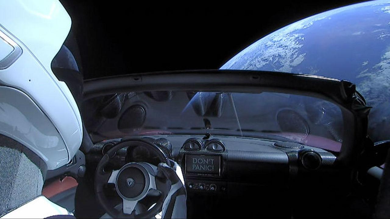Специалисты рассчитали шанс того, что автомобиль Tesla упадёт на Землю